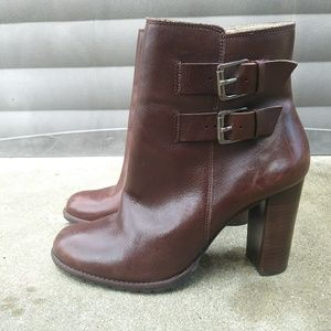 Neiman Marcus Olivia brown ankle heeled boots 40